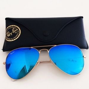 Blue mirror aviator ray bans